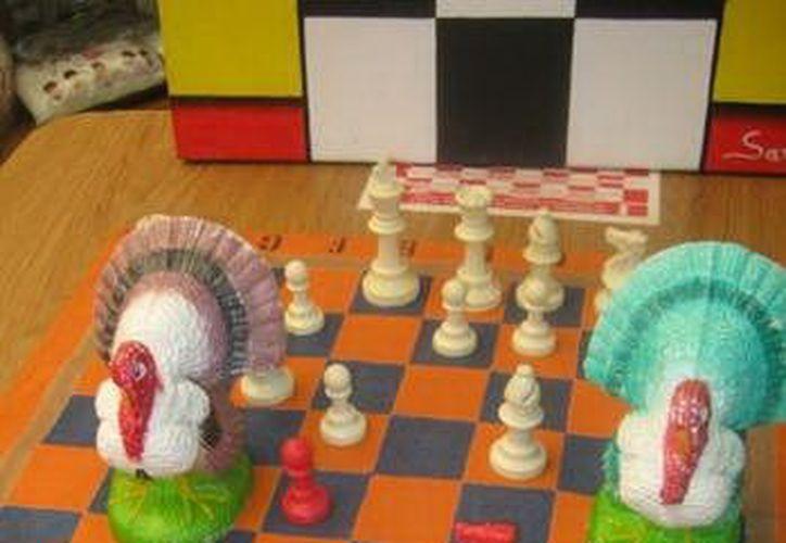 Para los tres primeros lugares del torneo de ajedrez habrá guajolotes. (SIPSE)