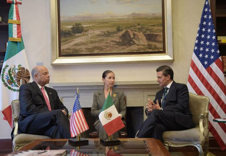 Peña Nieto y Jeh Johnson dialogaron sobre las iniciativas bilaterales entre México y EU. (Notimex)