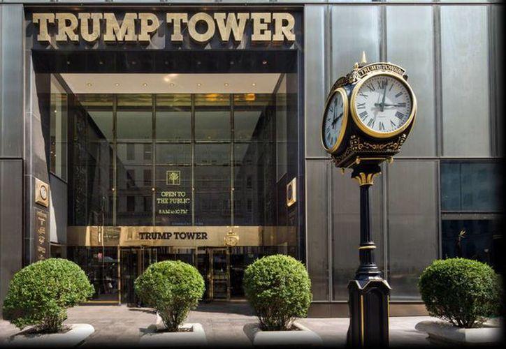 Donald Trump vive en el rascacielos, pero no se encontraba ahí al momento de la alarma. (trumptowerny.com)