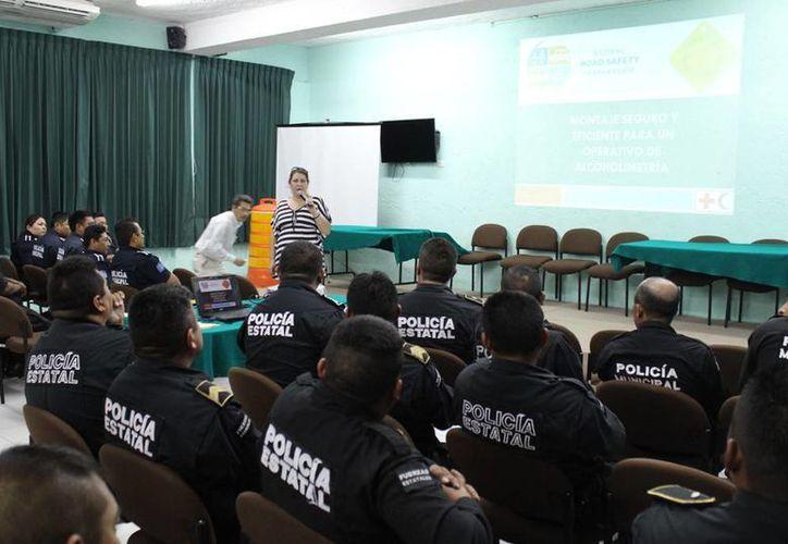 El curso en el que participan agentes de la SSP y de las policías municipales de Mérida, Kanasín, Progreso y Umán. (SIPSE)