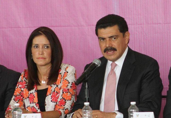 El gobernador hidalguense José Francisco Olvera Ruiz dio a conocer que la liquidación de policías se completará a más tardar antes de que termine el año. (comunicacion.hidalgo.gob.mx)