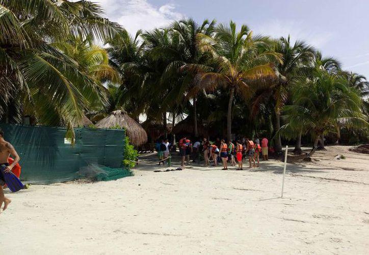 El mayor movimiento que se registra es por los tours hacia los arrecifes. (Sara Cauich/SIPSE)