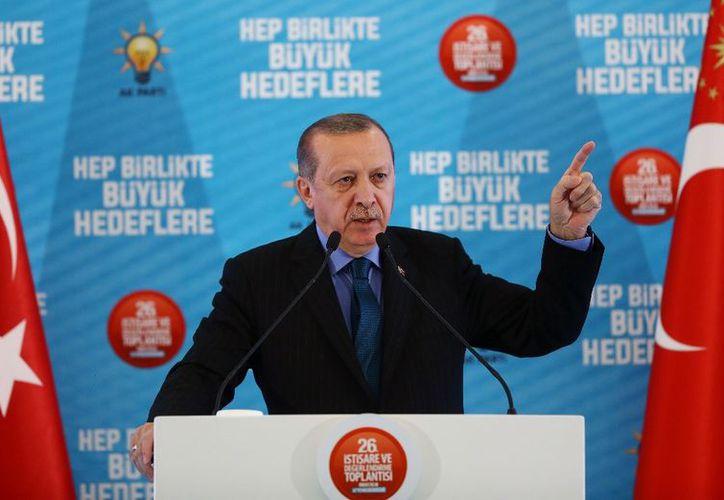El presidente de Turquía, Recep Tayyip Erdogan, en imagen de este domingo. (AP)