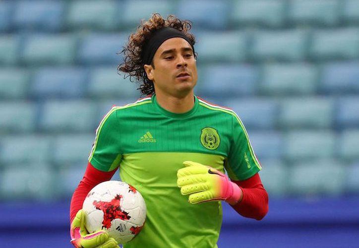 El portero mexicano ha recibido cuatro goles en sus últimos cinco partidos con el Standard. (Foto: Contexto/Internet)