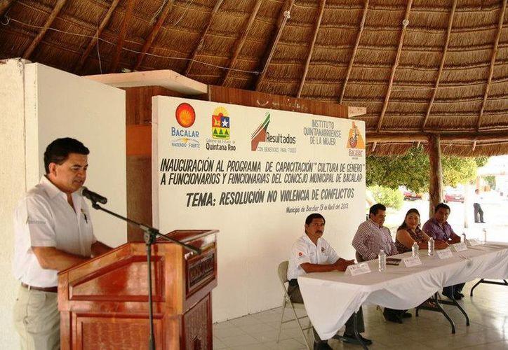 El secretario técnico del IQM, Raúl García Novelo, fue el encargado de inaugurar el evento. (Redacción/SIPSE)