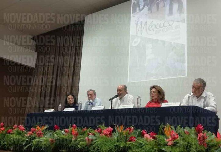 La presentación del libro se llevó a cabo en el Planetario Ka' Yok'. (Fernanda Duque/SIPSE)