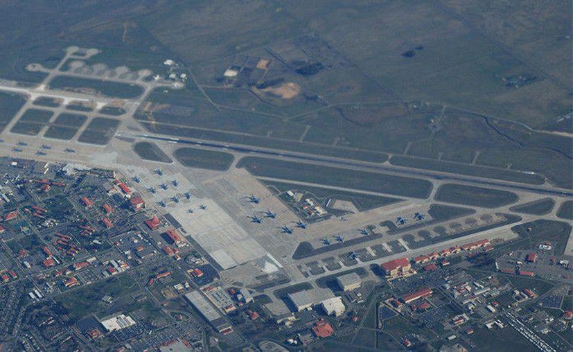 En la base aérea estadounidense Travis Air Force Base, ubicada a unos cinco kilómetros de distrito Fairfield de Solano County. (RT).