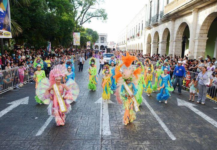 El entusiasmo y la alegría estuvieron presentes en todo el paseo del Carnaval. (Milenio Novedades)