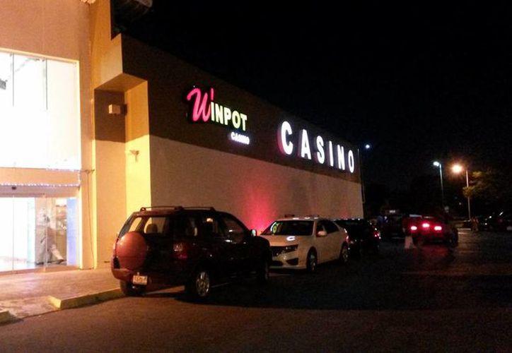 Los clientes ya están de nuevo en el casino Win Pot. (Milenio Novedades)