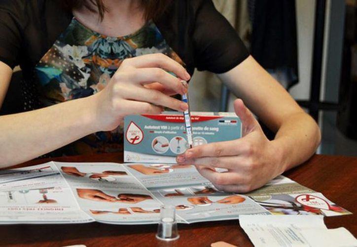 La introducción de estas pruebas fue respaldada con fuerza por las asociaciones de sensibilización sobre el Sida y el virus VIH. (futura-sciences.com)