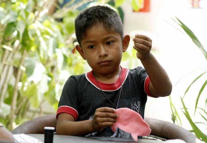 Este Día del Niño, enseñarán a los menores a divertirse con juguetes tradicionales, en el Centro Cultural de Playa del Carmen. (Octavio Martínez/SIPSE)