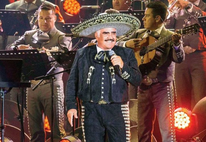 Vicente Fernández ya se retiró como cantante, pero en septiembre saldrá a la venta un disco sobre su último concierto, en el estadio Azteca. (imagenzac.com.mx)