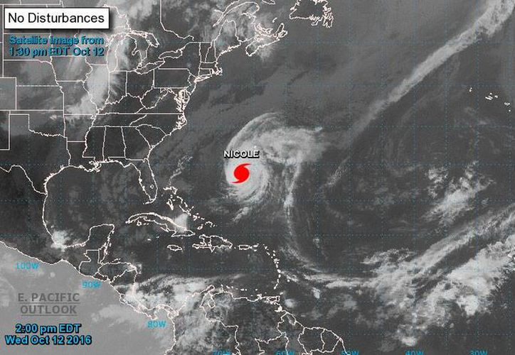 Imagen de satélite del Centro nacional de Huracanes de Miami, que muestra el avance del huracán Nicole en el Atlántico. (www.noaa.gov.)