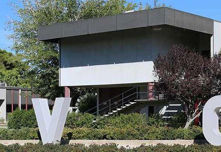 Fachada de Antelope Valley college, institución que era el blanco de un exestudiante, quien planeaba un ataque armado. (avc.edu)