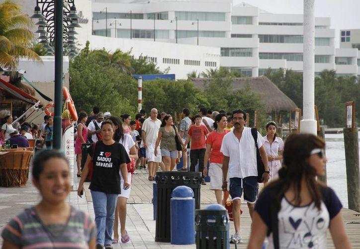 Los turistas nacionales son los que se hicieron más presentes en el destino en esta temporada decembrina. (Israel Leal/SIPSE)