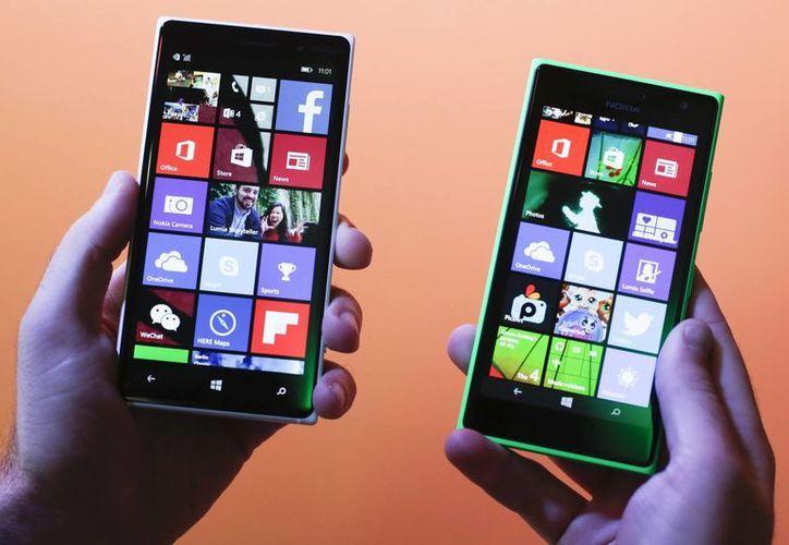 Los Lumia 830 y 730 de Microsoft tendrán al asistente de voz Cotana, un servicio similar a Siri. (Agencias)
