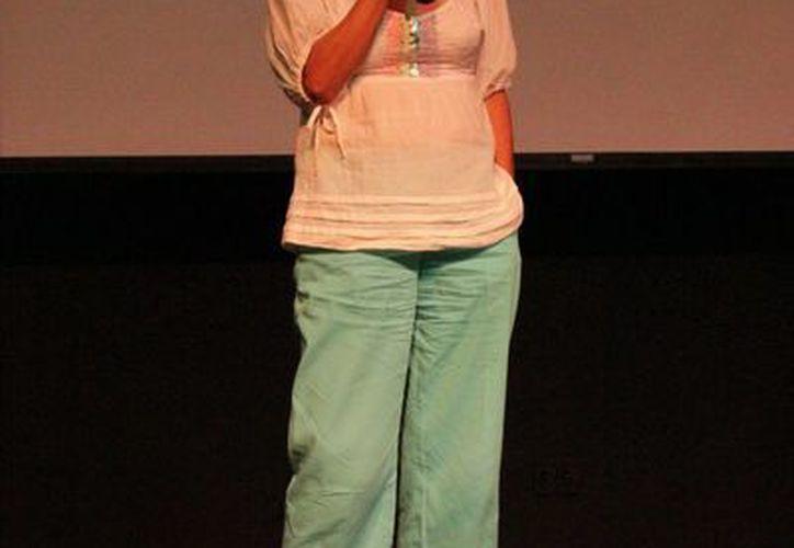 La actriz  y comediante, Isabel Martiñon Fernández, realizó una conferencia para culminar este evento. (Andrea Aponte/SIPSE)