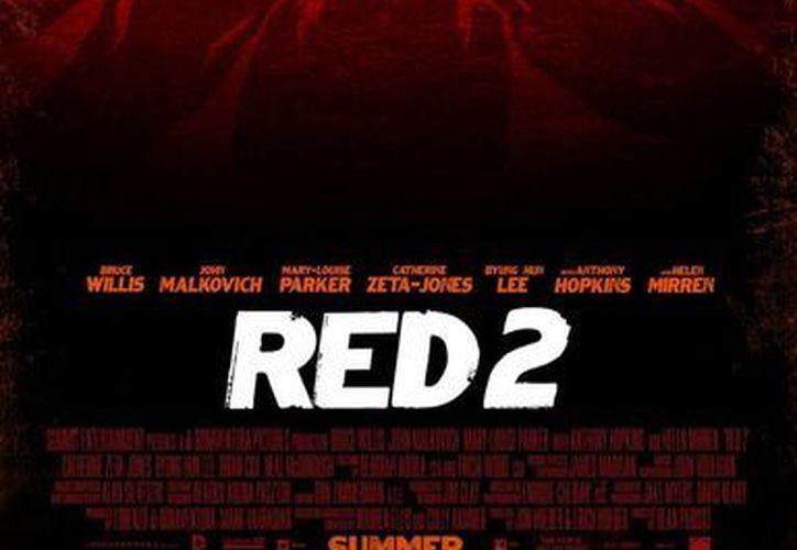 """En """"Red 2"""", el equipo se vuelve a reunir, por lo que de nuevo formarán parte del elenco los actores Anthony Hopkins y Catherine Zeta-Jones. (SIPSE)"""