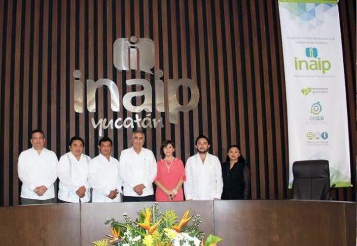 La Inaip esta concentrada en dar a conocer a los miembros de los poderes Ejecutivo, Legislativo y  Judicial, a los ayuntamientos, organismos autónomos y partidos políticos (Archivo/SIPSE).
