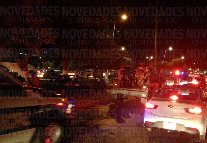Una balacera se registró esta noche en pleno centro de Cancún.  (Eric Galindo/SIPSE)