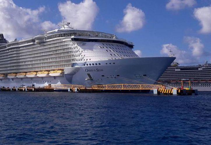 Un total de 11 pasajeros a bordo del crucero Oasis Of The Seas, se enfermaron. (Foto: Redacción)