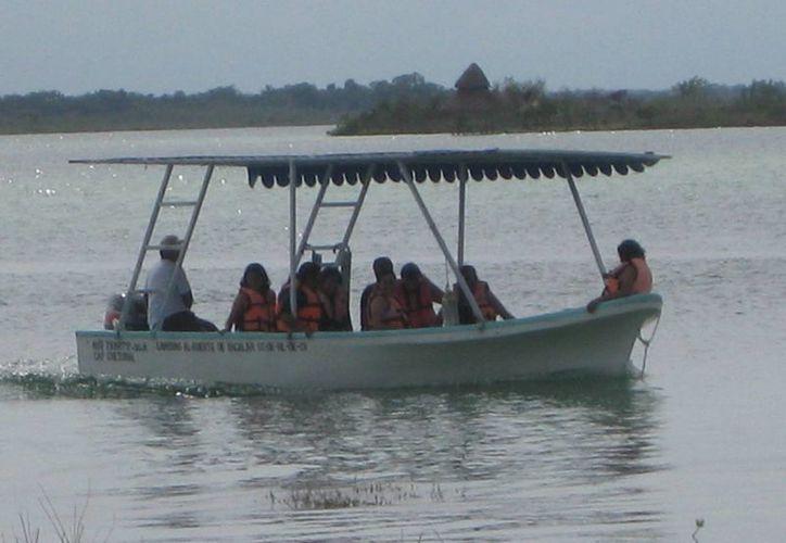 Los prestadores de servicios serán guías turísticos de los visitantes del lugar. (Javier Ortiz/SIPSE)
