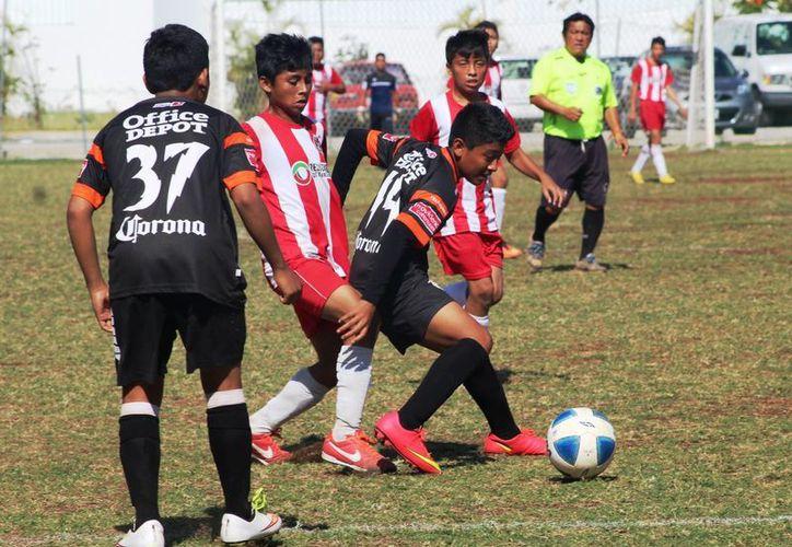 Se registraron golizas en la categoría Juvenil Menor. (Raúl Caballero/SIPSE)