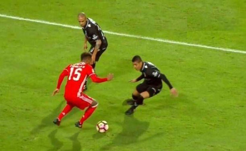 Sin Raúl Jiménez, el Benfica ganó al Vitoria y calificó a la segunda ronda de la Copa de Liga lusa. (Captura de pantalla de peru.com)