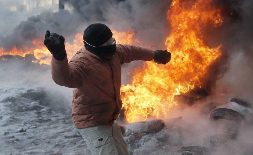 Hasta hace poco las protestas antigubernamentales se remitían sólo a Kiev (foto), pero las movilizaciones ya se extendieron. (Agencias)