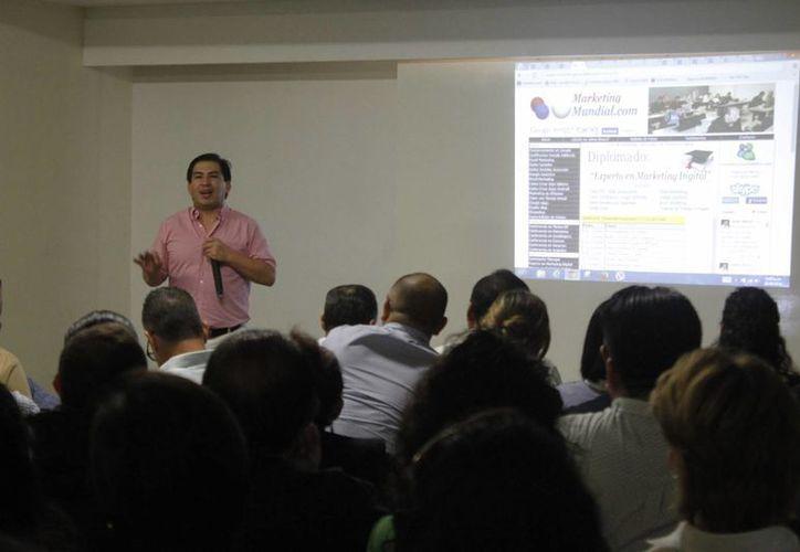Alrededor de 200 personas asistieron al seminario. (Sergio Orozco/SIPSE)