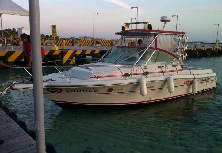 Desde la semana pasada se encuentra en la isla la ambulancia marítima. (Lanrry Parra/SIPSE)