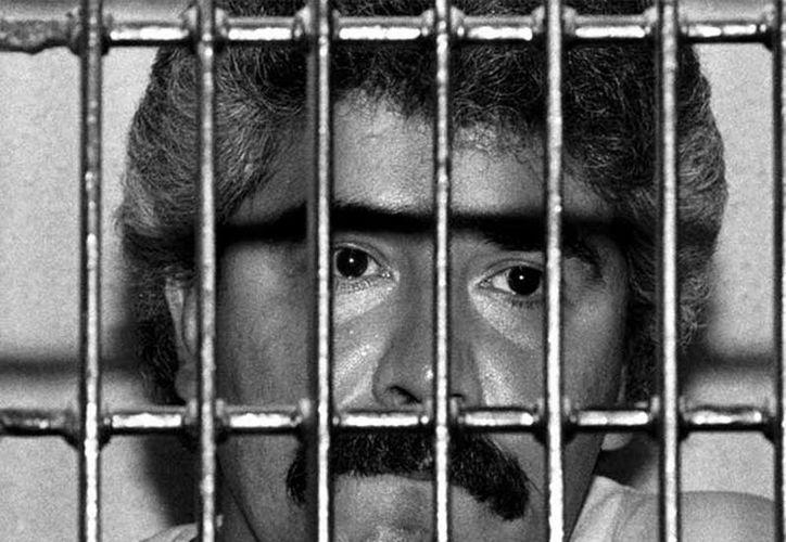 """José Luis Guízar, envió una felicitación a su excliente de quien dijo """"ya es un hombre tranquilo y no merecía estar ahí adentro"""". (excelsior.com.mx)"""