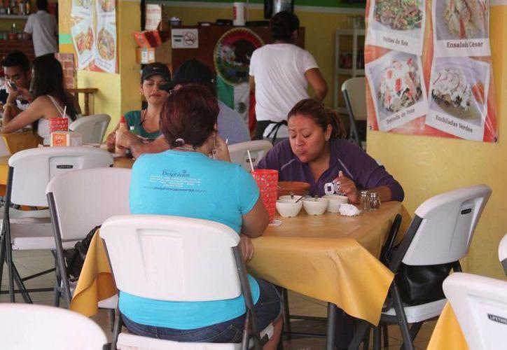 Por el momento el sector restaurantero no opera al 100 por ciento como esperaba. (Adrián Barreto/SIPSE)