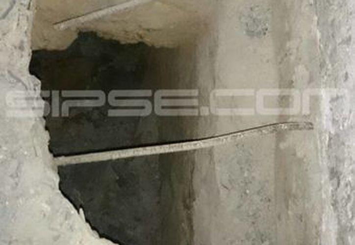 El agujero mide alrededor de 60 centímetros de ancho. (Redacción/SIPSE)
