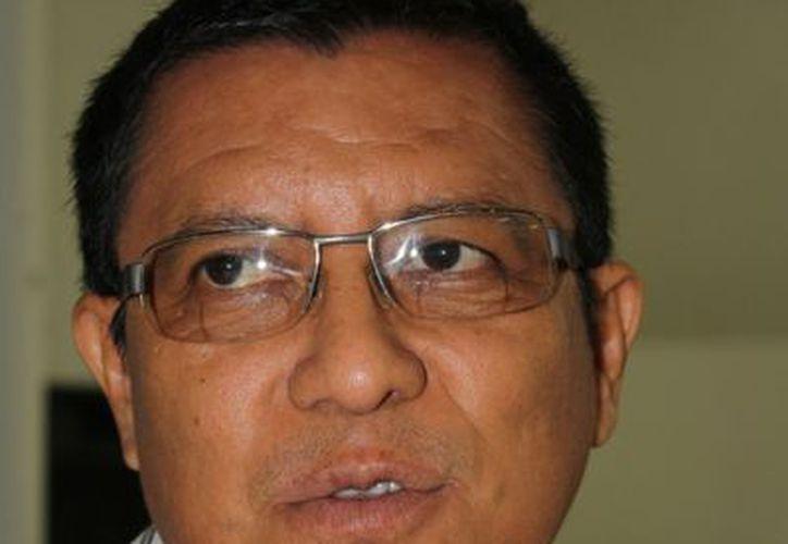 Marcelo Jiménez Santo, jefe de la unidad de Culturas Populares en Q. Roo, dijo que las autoridades ignoran lo que sucede con los indígenas. (Yenny Gaona/SIPSE)