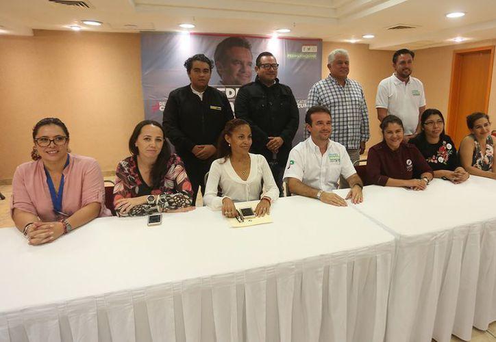 Pedro Joaquín enfatizó que viene a trabajar por la comunidad cozumeleña, consideró que juntos se puede impulsar la economía. (Redacción/SIPSE)