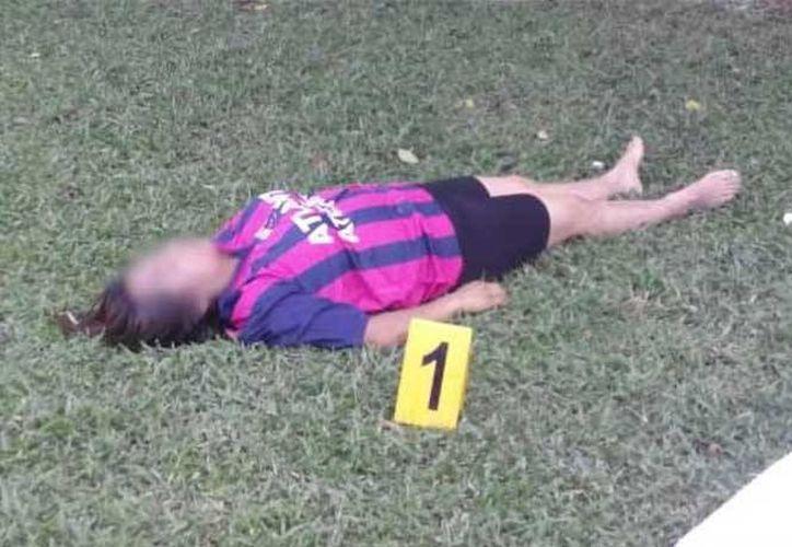 Una mujer que jugaba futbol y era asmática falleció debido a un infarto en un torneo en Guerrero. (Foto tomada de excelsior.com.mx)
