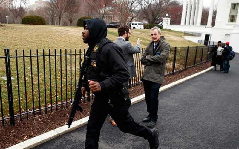 Sujeto se dispara frente a la Casa Blanca