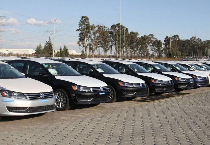 El primer semestre del año se registró un crecimiento en el otorgamiento de créditos para adquirir automóviles nuevos de 10.9 por ciento, equivalente a 26 mil 618 unidades. (Notimex)