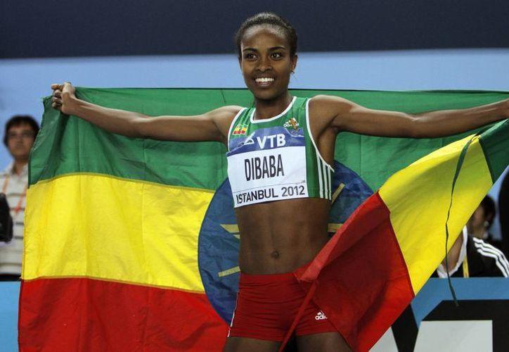 Dibaba bajó notablemente el tiempo de la anterior marca de la rusa Elena Soboleva. (Foto: Agencias)