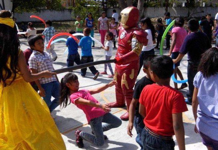 Los niños de Santa Gertrudis Copó participaron en diversas actividades que organizó Unidos por Yucatán. (SIPSE)