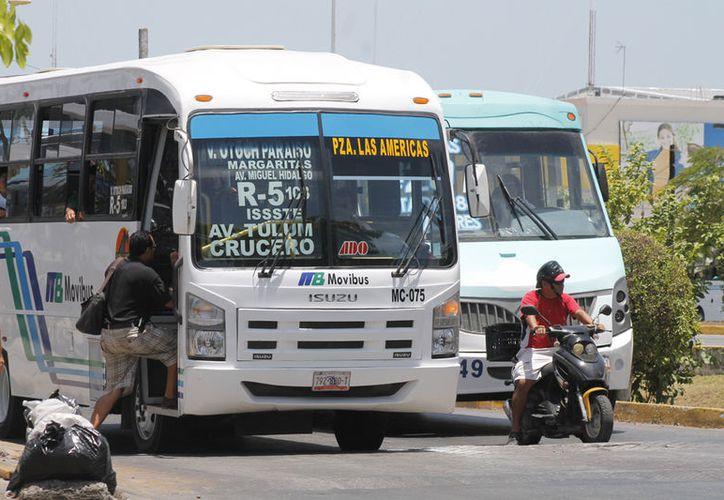 Frenan aumento a las tarifas del transporte público. (Jesús Tijerina/SIPSE)