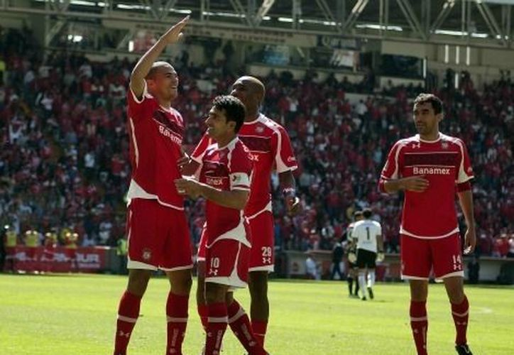 Los brasileños Wilson Tiago, y Lucas Silva, y el mexicano  Carlos Cacho anotaron por los choriceros. (Mexsport)