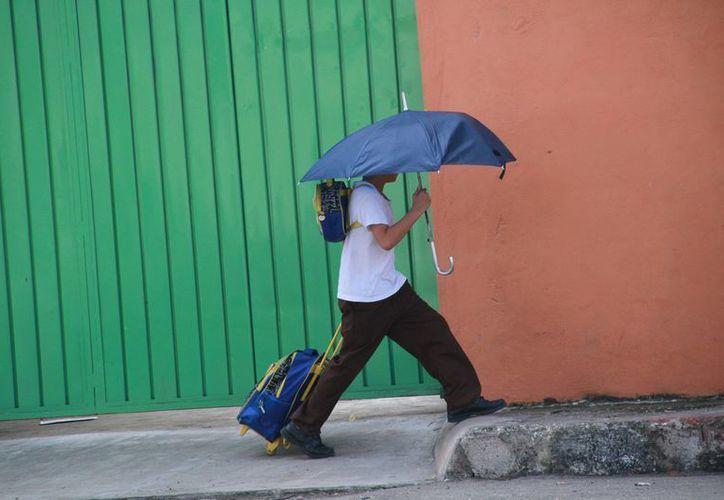 El Servicio Meteorológico Nacional pronostica que este sábado y domingo habrá bajas temperaturas y lluvias. (Jorge Acosta/SIPSE)