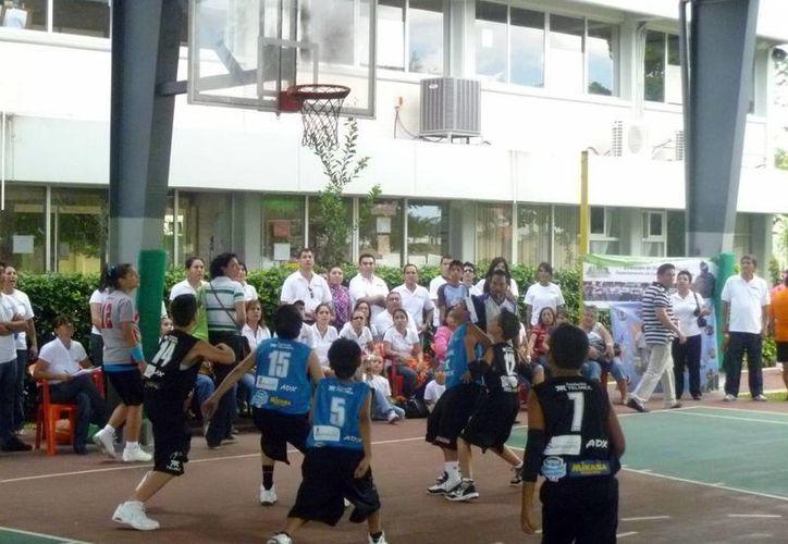 El torneo del Cipeba, un escaparate para jóvenes basquetbolistas. (SIPSE)