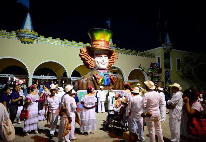 La alegría invadió Plaza Carnaval, en donde hasta el momento el operativo de la Profeco reporta sin novedad. (Milenio Novedades)