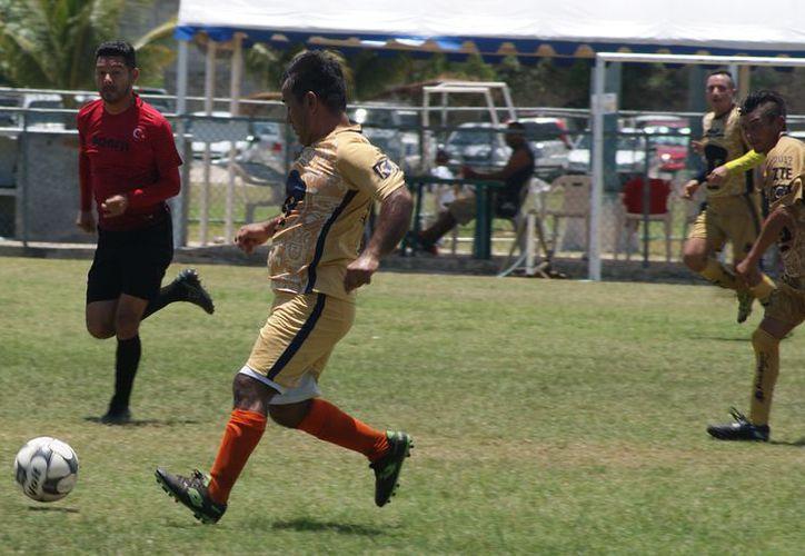 Las escuadras jugaron la jornada 14 del campeonato. (Ángel Villegas/SIPSE)