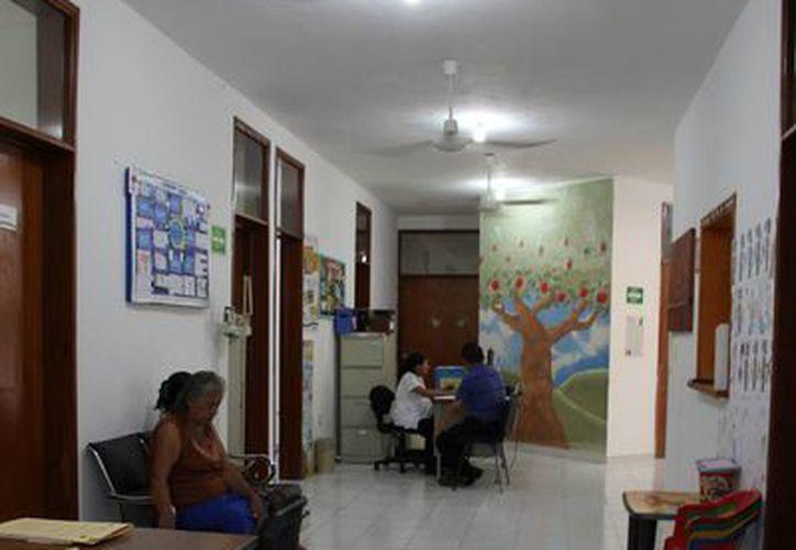 Los centros de salud de la Colonia 28 de Julio, Luis Donaldo Colosio y de la Delegación de Puerto Aventuras ahora dan consultas de 7:30 am a 8 pm.  (Juan Carlos Cano/SIPSE)