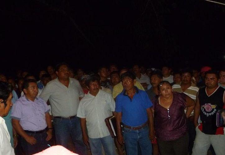 Se convocó a los ejidatarios para una asamblea este domingo. (Raúl Balam/SIPSE)