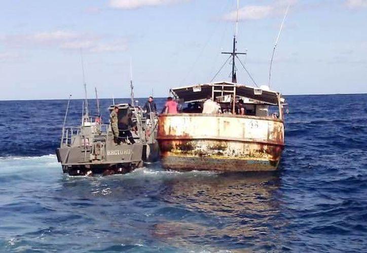 Del total de ilegales que fueron presentados ante las autoridades migratorias, 350 fueron balseros cubanos rescatados en alta mar o lograron llegar a las costas de la Península. (Archivo/ Milenio Novedades)